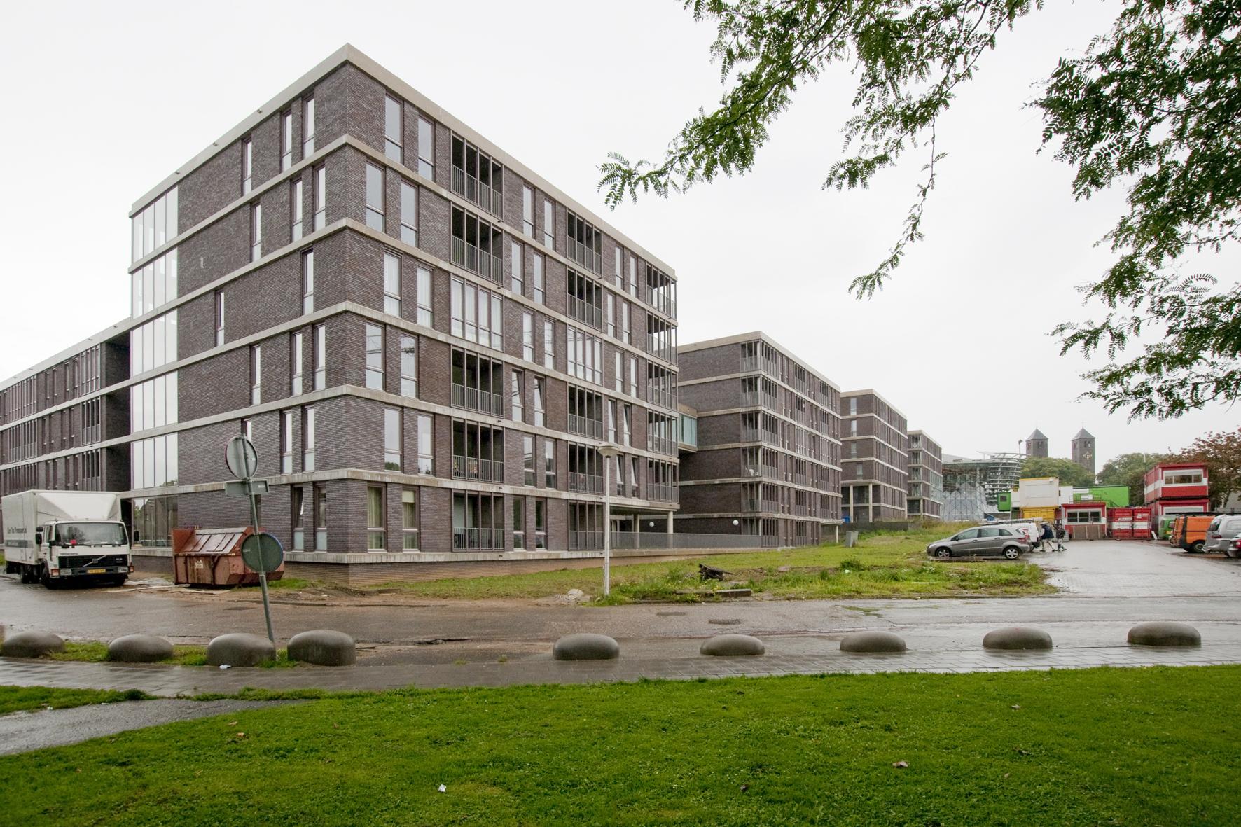 Picture 2 -   Icarus building   complex at   Heerlerheide   Centre