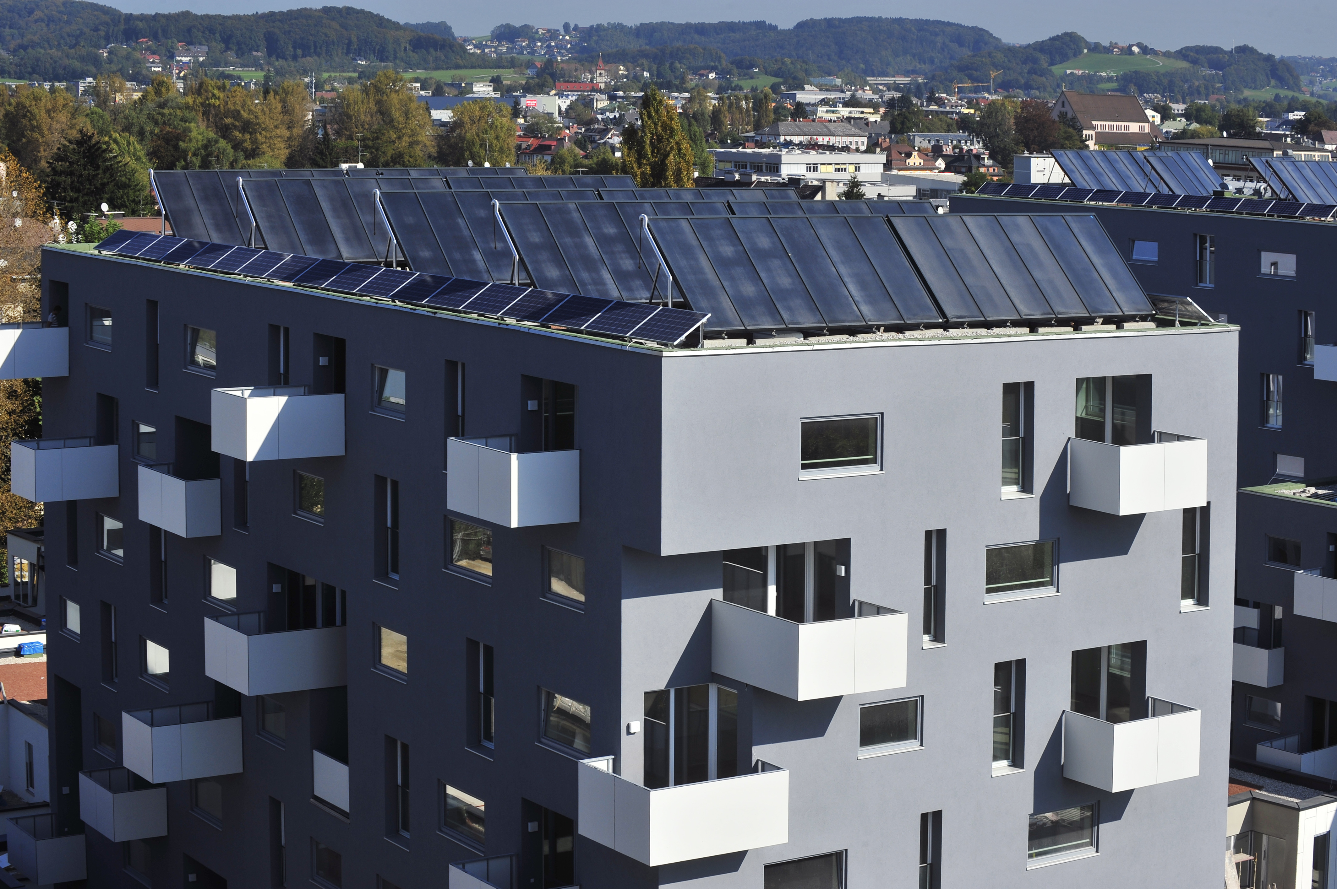 On the roof of the houses totally 2000 m² thermal solar collector and 50 kWp photovoltaics are installed in Salzburg Lehen