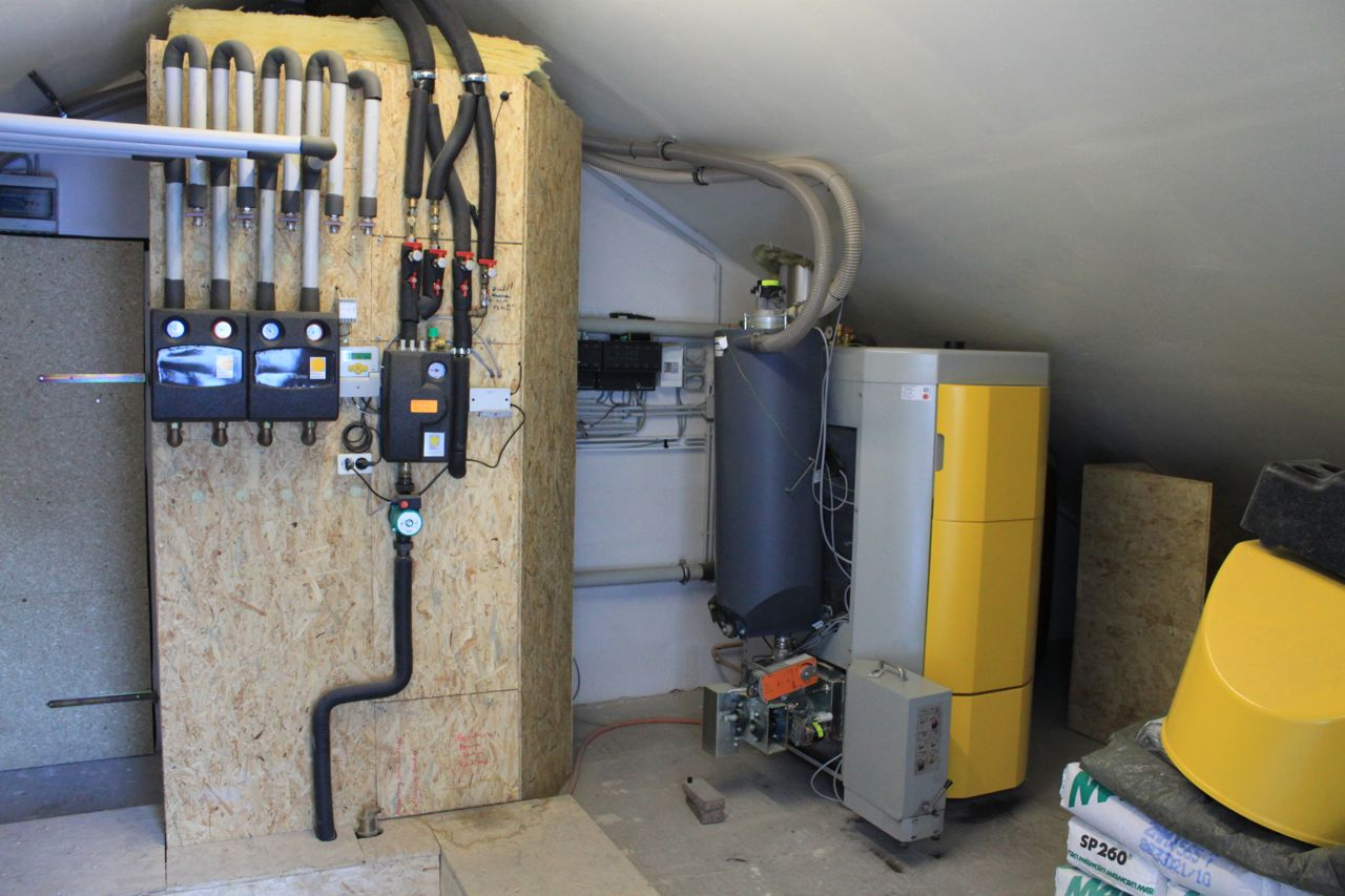 Picture 4 –  The small heating  central for the DHS  at Reichenbach main  street